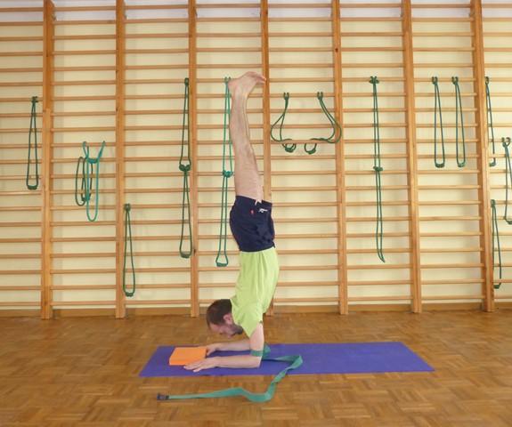 Wykorzystanie paska do jogi